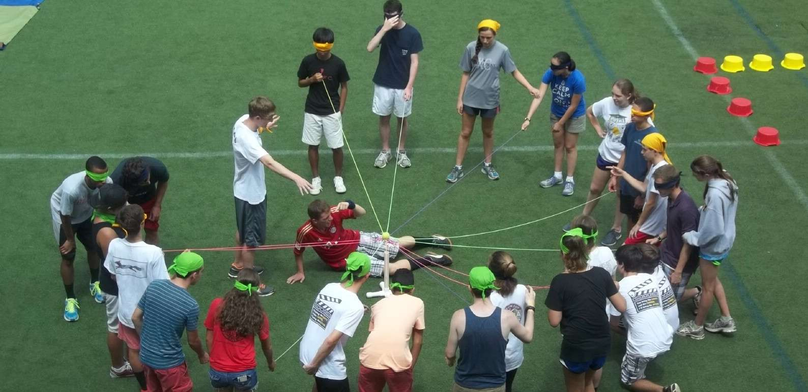 Juggernaut student team building program-comunication activity with ropes